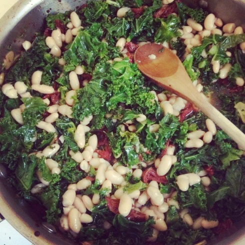 Sun-dried tomatoes, kale & garlic -- with white beans